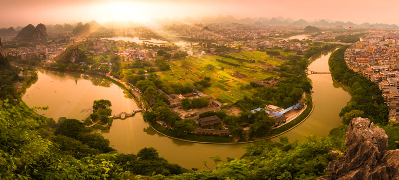 By shooting a panorama in this location, I was able to capture the gentle curve of the river, which made a huge difference in the photo. My guide, Andy Beales, pointed out this location to me and it was a winner!