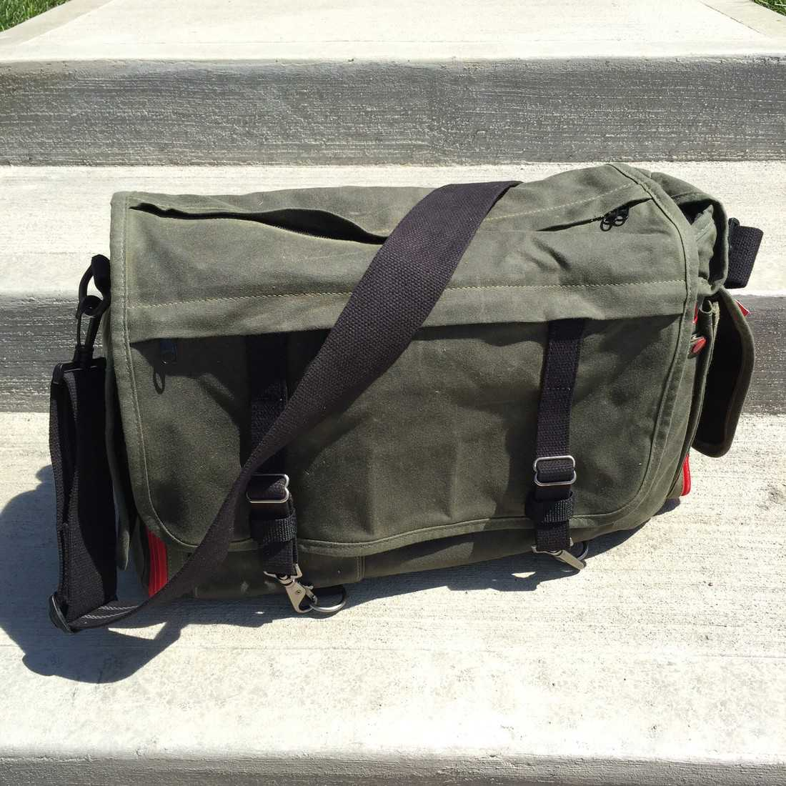 17 Camera Messenger Bags (Hands-On Review): What's the best ...