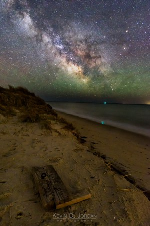 The Milky Way rises over Cape Cod in Massachusetts (© Kevin D. Jordan Photography)