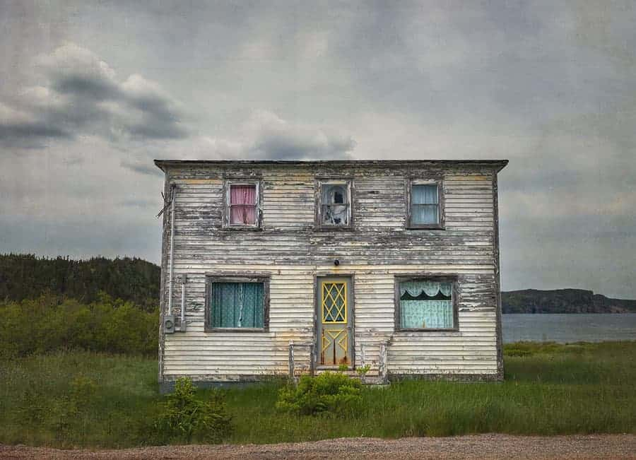 A photo of an abandoned house in Newfoundland, by Tracy Munson.