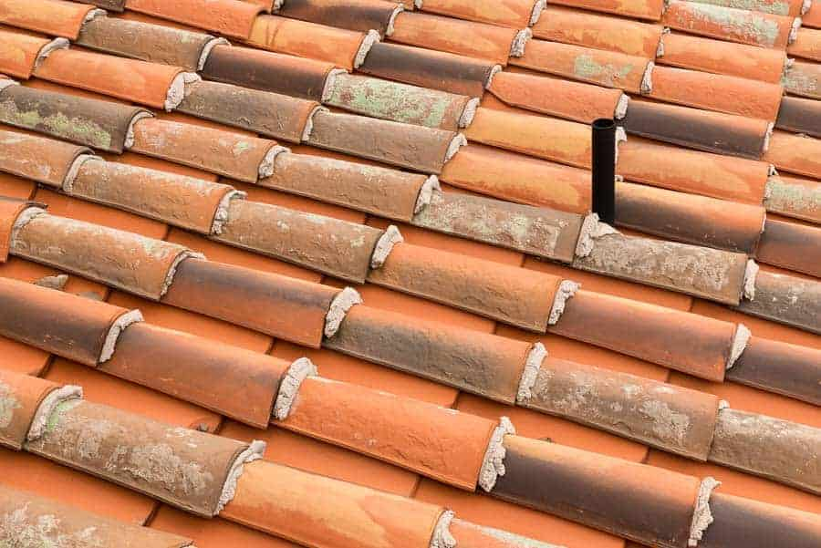 Tile roof with spout.