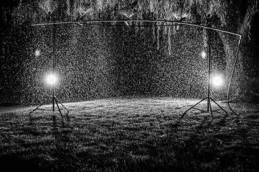 Que cantaba las gotas de lluvia siguen cayendo sobre tu cabeza