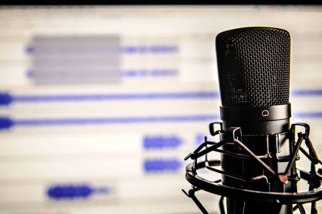 7 Best Photography Business Podcasts – Improve Photography